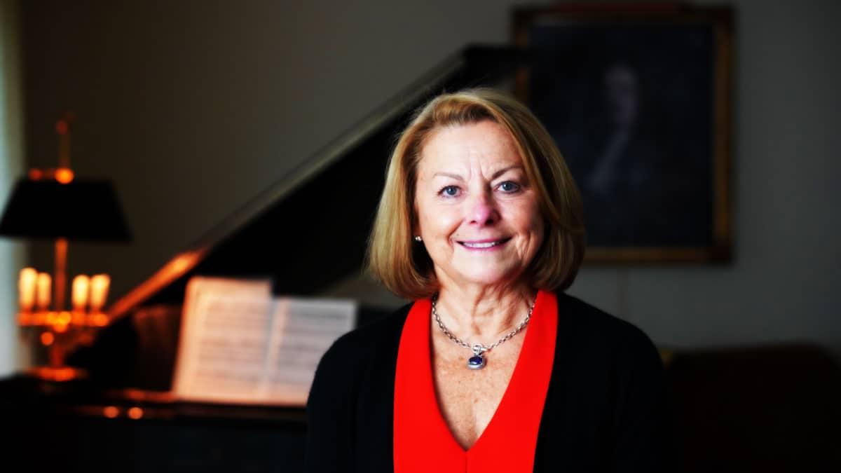 Linda Szabat Sanford '75G
